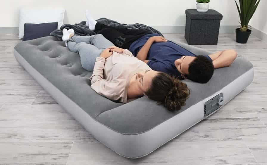 7 Best Alternatives To Air Mattress For Indoor & Outdoor Use